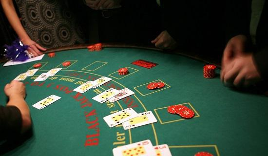 Black jack table with real money